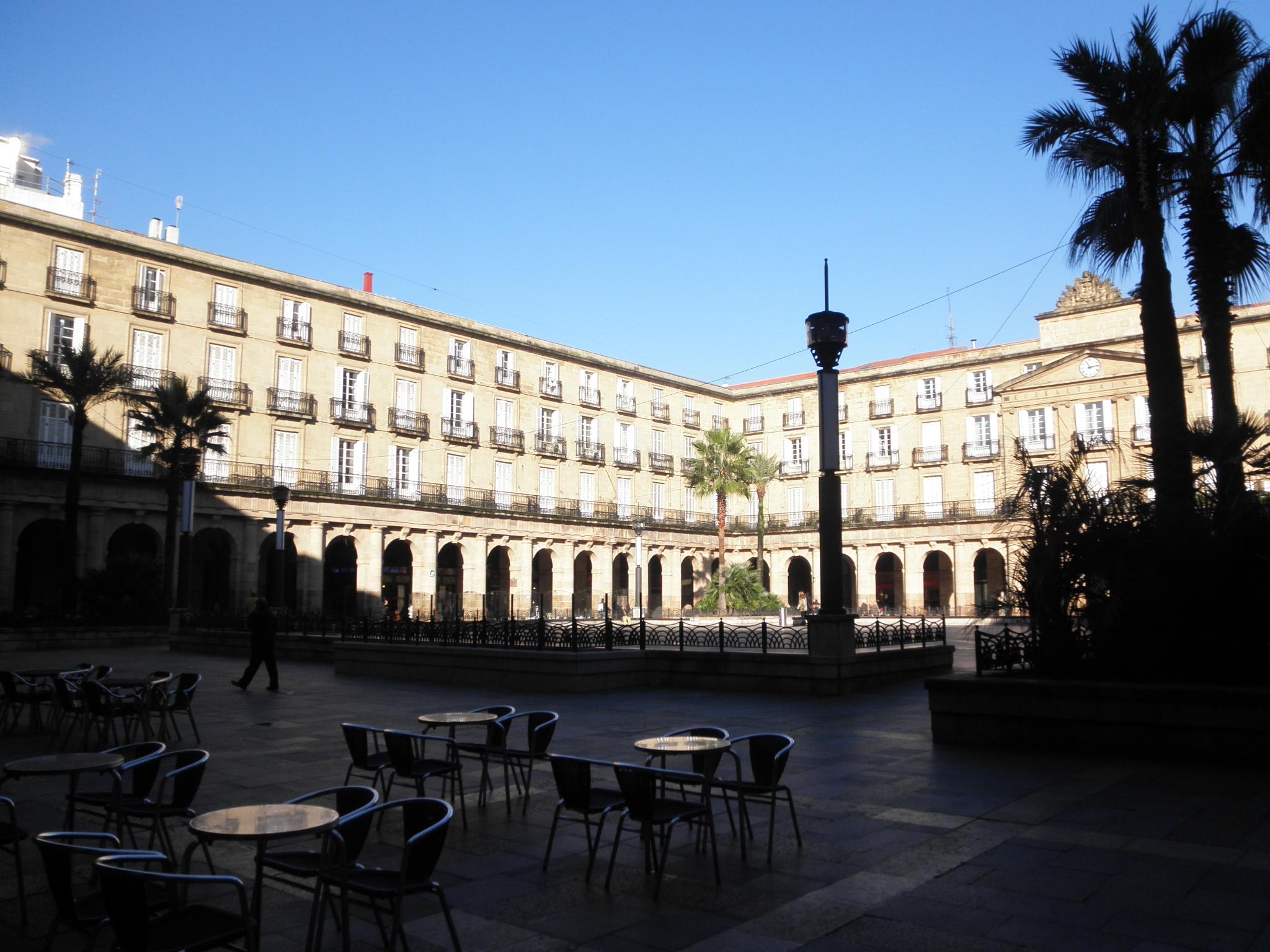 Paseando por bilbao plaza nueva y casco viejo - Casco antiguo de lisboa ...