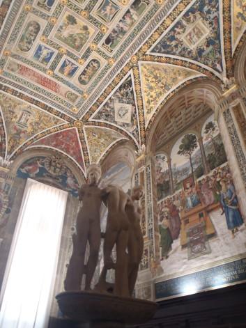 Librera Piccolomin, iinterior del Duomo Siena