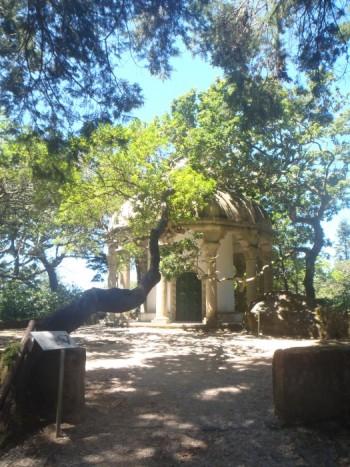 Templo de las Columnas en Parque de la Pena