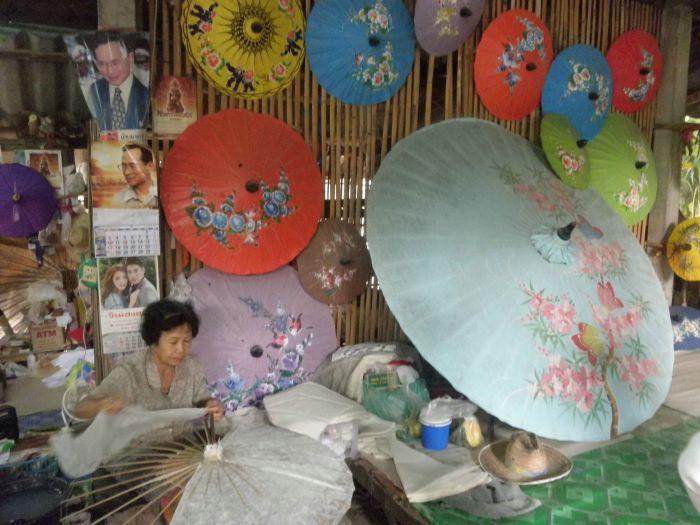 Sombrillas de papel