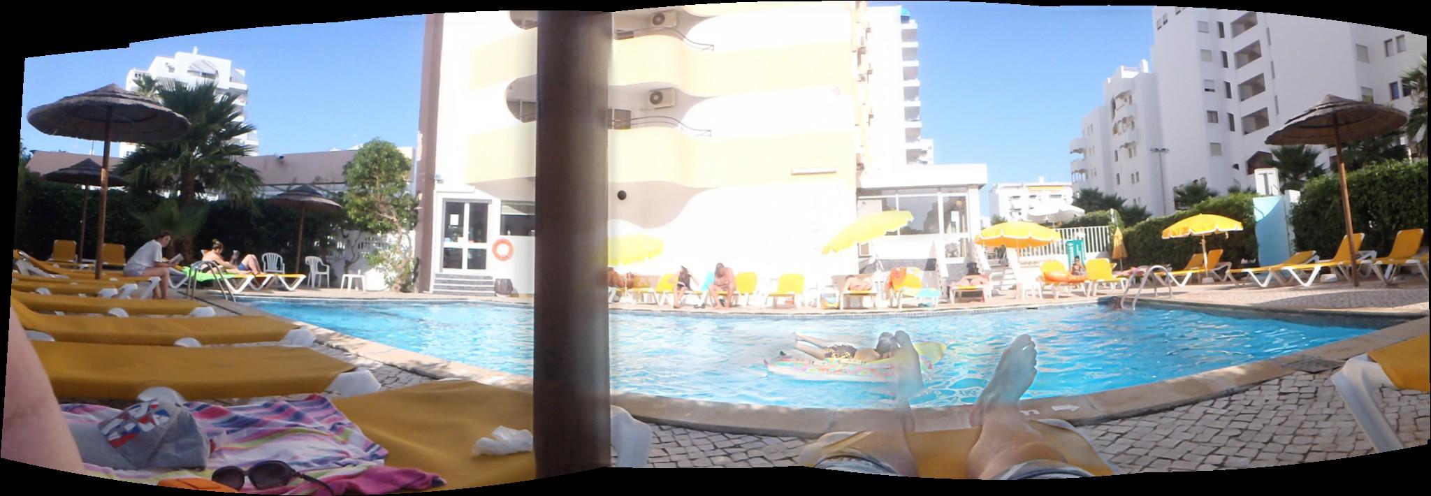 Piscina hotel Atismar